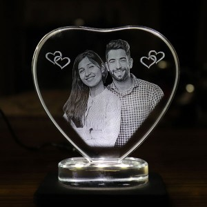 Heart shaped crystal with engraved photo inside -100x 100 x 12 (mm) with Slim White Light Base backview