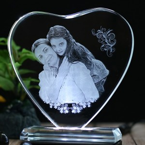 Heart shaped crystal with engraved photo inside -130x130x12 (mm) with Slim White Light Base backview