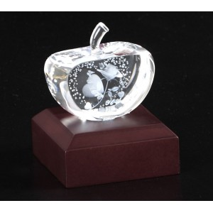 Apple shaped crystal with 3D photo inside - 70 X  40 X 35 (mm)