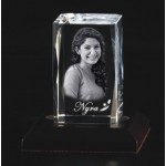 Box shaped crystal with 3D photo inside - 80 X 50 X 50 (mm)