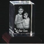 Box shaped crystal with 3D photo inside - 90 X 60 X 60 (mm)