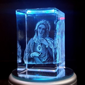 Box shaped crystal with 3D Mother Mary inside - 50 X 50 X 80 (mm) backview