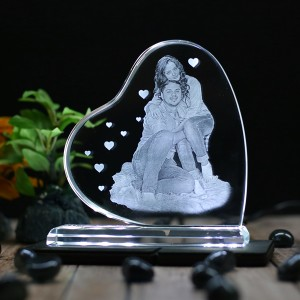 Heart shaped B crystal with engraved photo inside -130x130x12 (mm) with Slim White Light Base