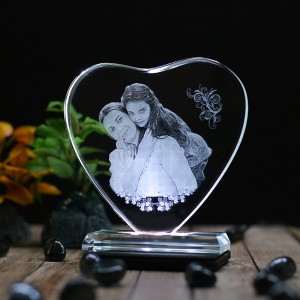 Heart shaped crystal with engraved photo inside -130x130x12 (mm) with Slim White Light Base