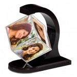 Personalized revolving floating photo cube magnetic